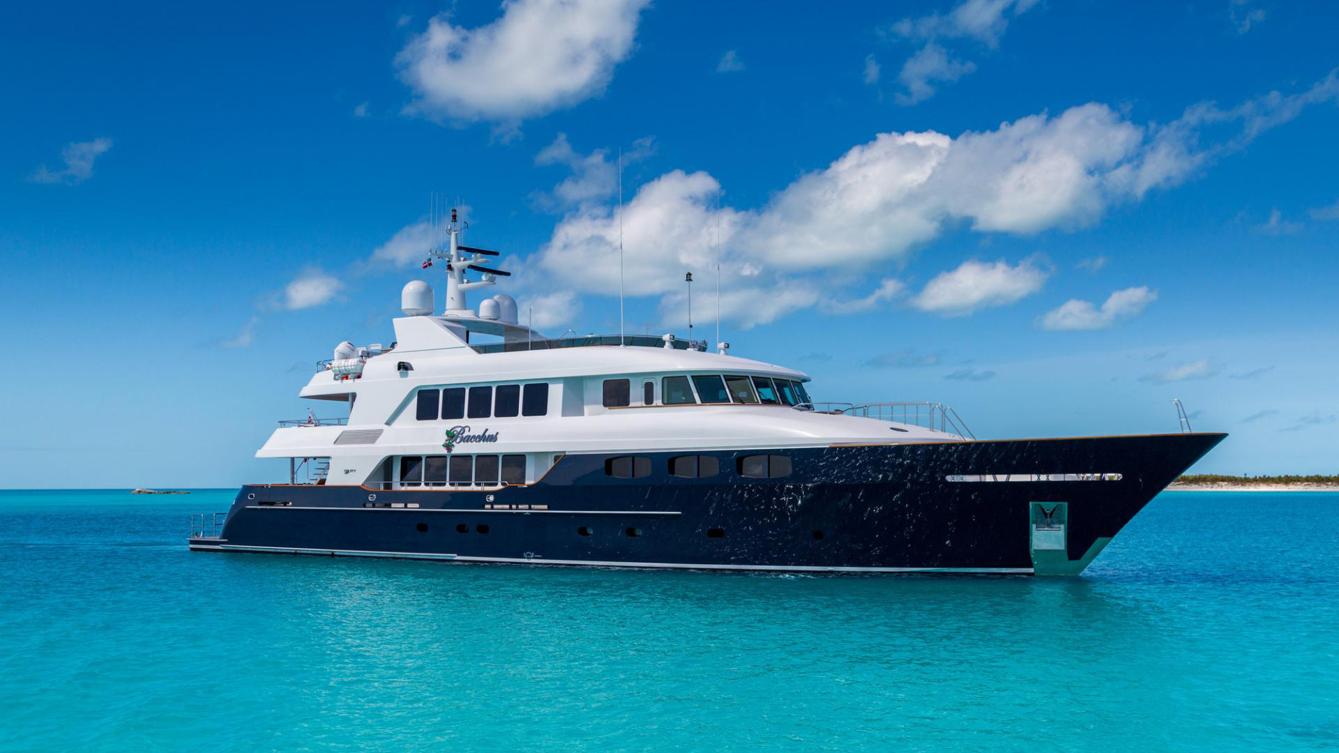 Bacchus yacht Sold